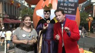 La Socia - Halloween Disneyland Resort Webisode