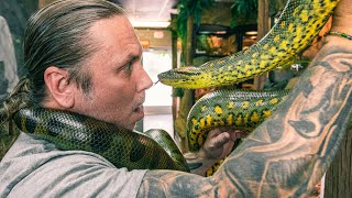 UNDERSTANDING MY PET ANACONDA!! HOW NOT TO GET HURT!! | BRIAN BARCZYK