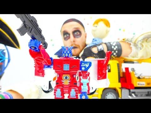 Освобождение трансформера в новом видео с игрушками для мальчиков. Видео про пиратов и трансформеры