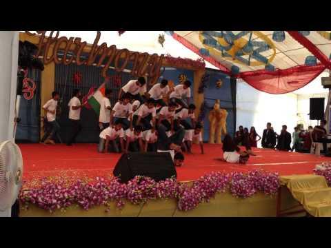 Pyramid dance on Vande mataram Collage show SNPIT & RC