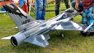 BIG RC F-16 SCALE MODEL JET FLIGHT DEMONSTRATION / Euroflugtag Rheidt 2016