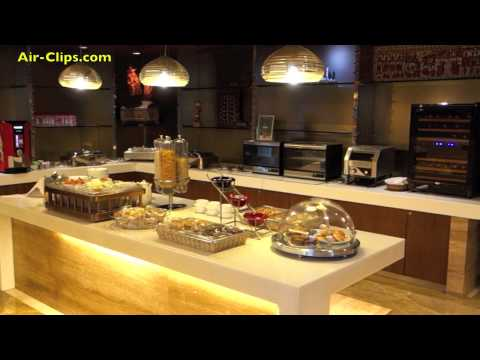 Air India Star Alliance Gold Lounge New Delhi Airport [AirClips]