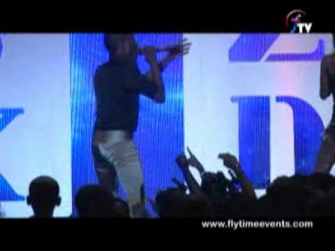 Wizkid Album Launch Concert- Pakurumo video