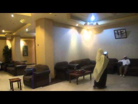 Rahat Madina Deluxe Hotel - Tourleader Showing Hotel Environment