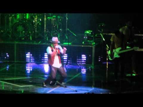 Bruno Mars - Gorilla arena Monterrey 2014 video