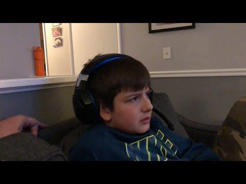 Leland is bad at Fortnite - countdown to season 8