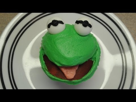 Decorating Cupcakes #84:  Frog