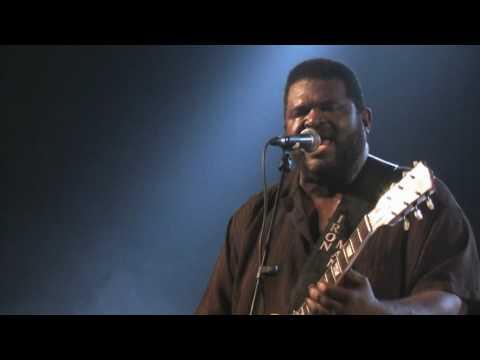 Michael Burks plays Frederikshavn Blues Festival 2009 - An amateur footage