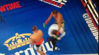 Boxing referee gets punched after the round!УДАРИЛ СУДЬЮ