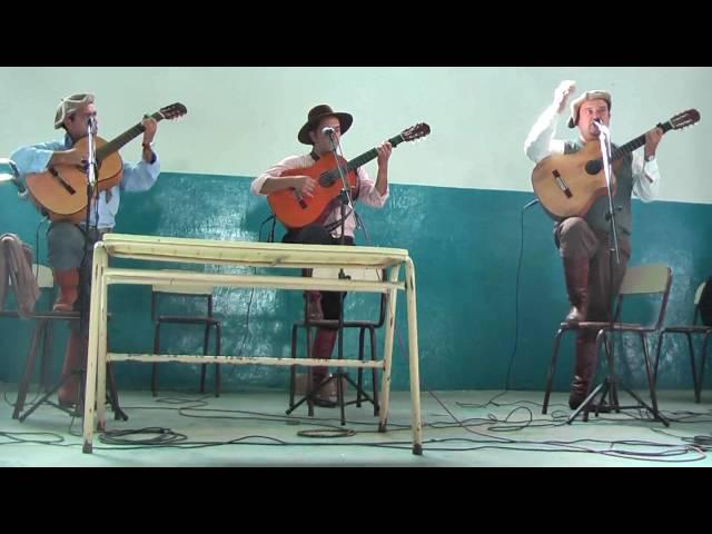 Payada en la carcel de Dolores entre los payadores David Tokar   Alberto Smith y Gustavo Avello