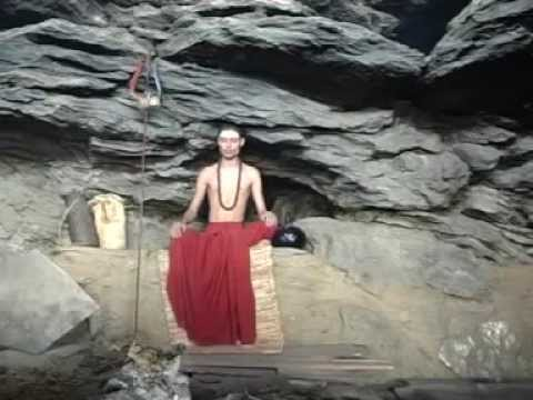 Life style of yogi in himalya by-Kaulantak Peethadheeshwar Maha Yogi Satyandar Nath Ji Maharaj.