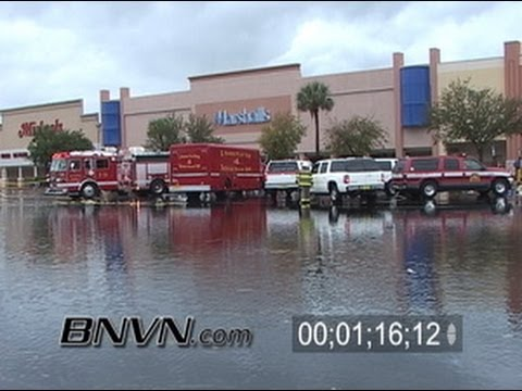 2/03/2006 Saint Petersburg, Florida, Severe Storm Aftermath Footage BBBY Roof Collapse