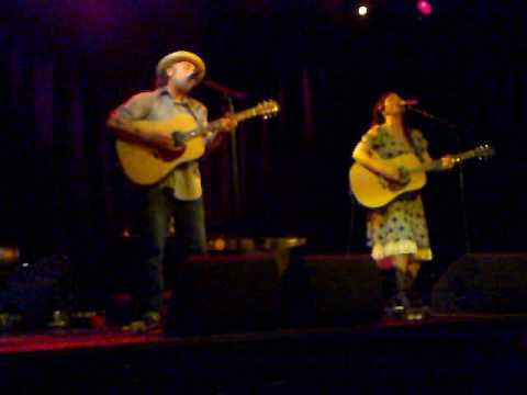 Kelly Joe Phelps and Corinne West - Whiskey Poets.mp4