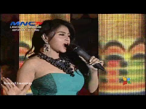 Aku Suka - Dewi Perssik - OM Nirwana | MNCTV Festival Malang