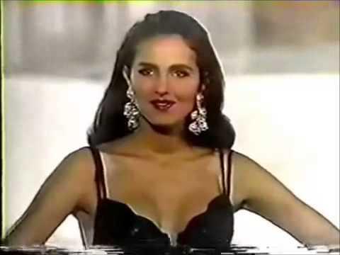 Señorita Colombia® 1991, Paola Turbay, desfilando en traje de baño