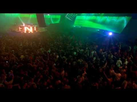 Armin Van Buuren - Rush hour (HQ)