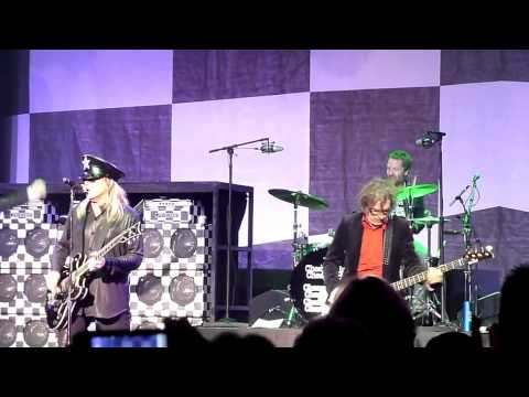 Cheap Trick - The Ballad Of T.v. Violence(i