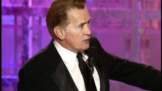 Martin Sheen Wins Best Actor TV Series Drama - Golden Globes 2001