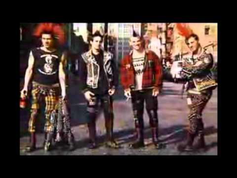 Non Servium - Punks And Skins