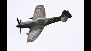"""CLIPPED WING SUPERMARINE SPITFIRE """"G-SPIT"""" DISPLAY RED BULL PILOT PAUL BONHOMME WESTON PARK - 2018"""