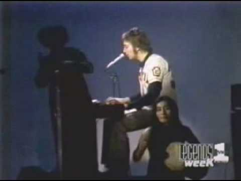 John Lennon-Imagine Live on the Mike Douglas Show