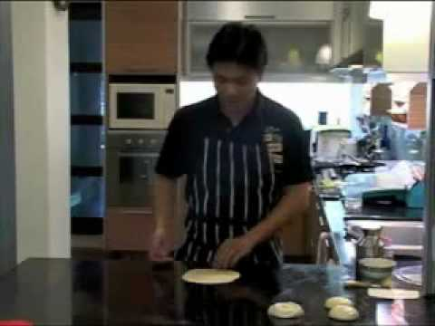 How to make Roti Prata/Roti Canai Part 1