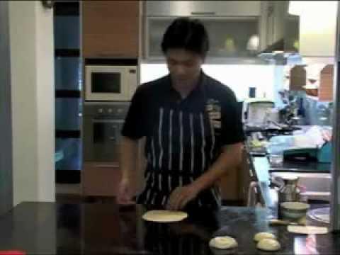 How to make Roti Prata/Roti Canai Part 1