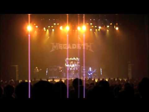 MEGADETH peace sells. Tokyo Sun Plaza 2007 Shawn and Glen Drover switcheroo!