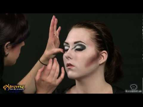 Vampire Makeup How-to, Classic Vampiress Halloween Makeup Tutorial