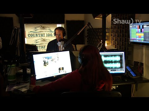 The Casey Clarke Show with Roo Phelps - Country 100.7