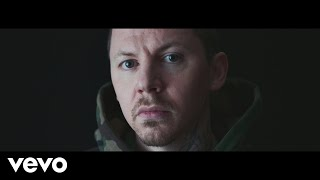 Смотреть клип Professor Green - Photographs ft. Rag'n'Bone Man