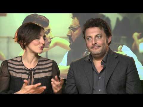 Stai lontana da me – Intervista a Enrico Brignano e Ambra Angiolini