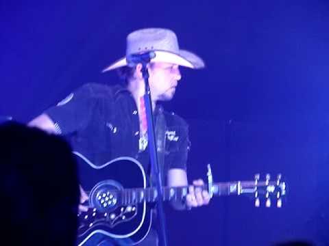Jason Aldean - Asphalt Cowboy Live