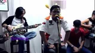 download lagu Ungu   Andai Aku Bisa Akustik gratis