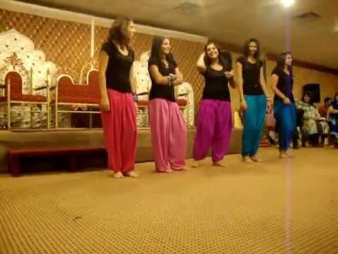 mahndi dance new 2012 faisalabad pakistan.FLV
