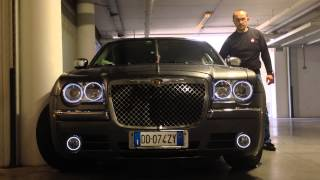 Chrysler 300c con 6 anelli angel eyes