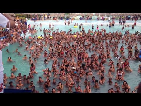 Shadow Blow Aguas Splash con El Combo de los 15 Pool Party