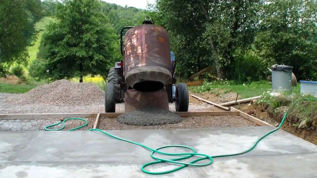 Pouring Cement Driveway Youtube