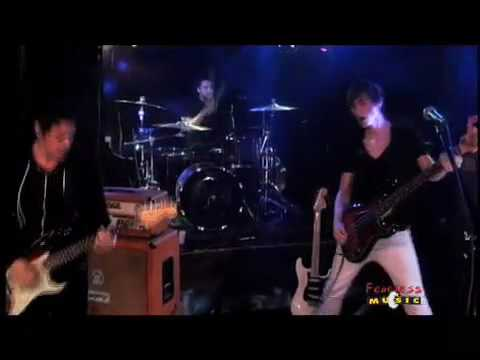Lights Resolve - Lost And Jaded - Live on Fearless Music