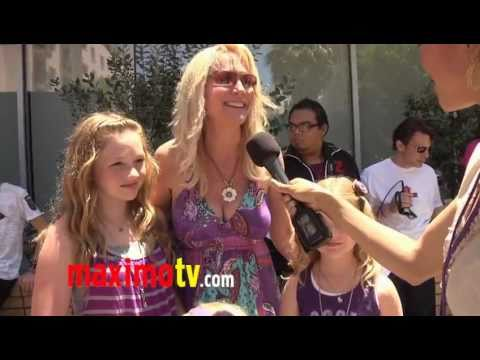 Barbara Alyn Woods and Daughters Interview at