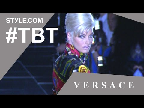 Naomi Campbell, Cindy Crawford & Christy Turlington Sing Freedom! '90 at Versace - #TBT-Style.com