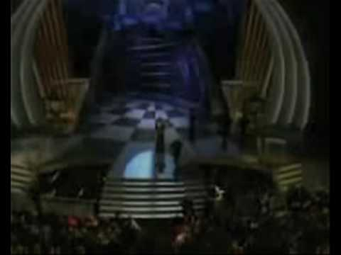 'And the Oscar goes to….. Robertoooo!'