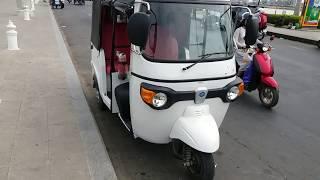 The White Auto Rickshaw of Ape city Piaggio 3