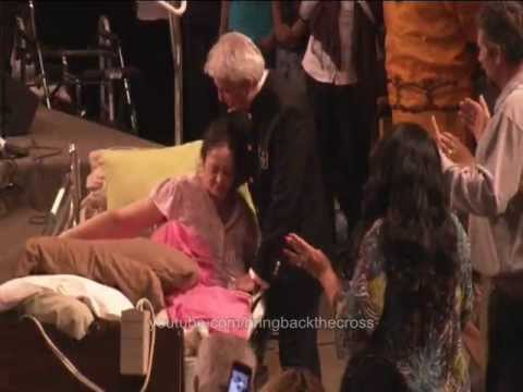 Benny Hinn - Live Display Of Miracle Healing video