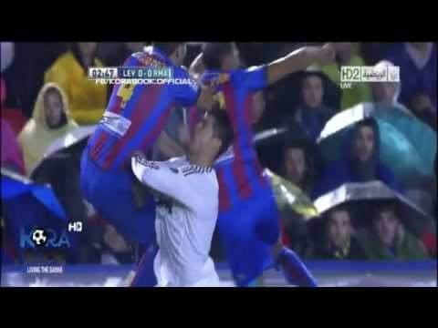 Cristiano Ronaldo's Eye Injury Very Hard Vs Levante (11.11.2012)