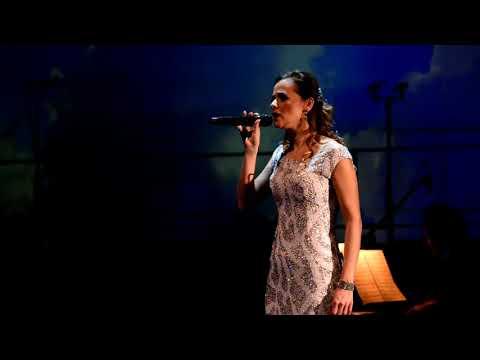 Mahó Andrea - Kell ott fenn egy ország (Koncertfelvétel)