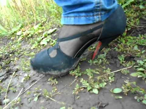 High heels shoes in mud stuck