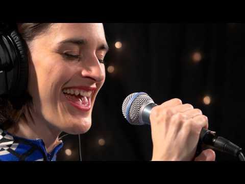 Yelle - Nuit de Baise I (Live @ KEXP, 2015)