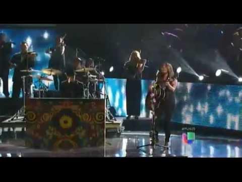 Jesse & Joy - Llorar Live Premios Lo Nuestro 2013