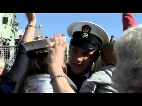 HMAS Melbourne returns home to Garden Island